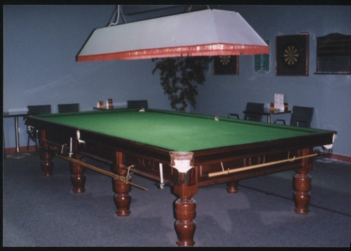 Larry 39 s garage sale items for 12ft snooker table for sale uk